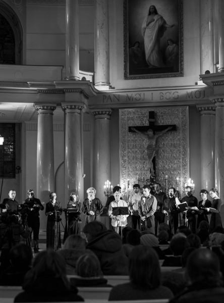 Koncert Kolumny Teatru ZAR i rodziny Kerovpyan w Ko?ciele ?w.  Trójcy w Warszawie, 21 marca 2013. Fpt. Magdalena M?dra