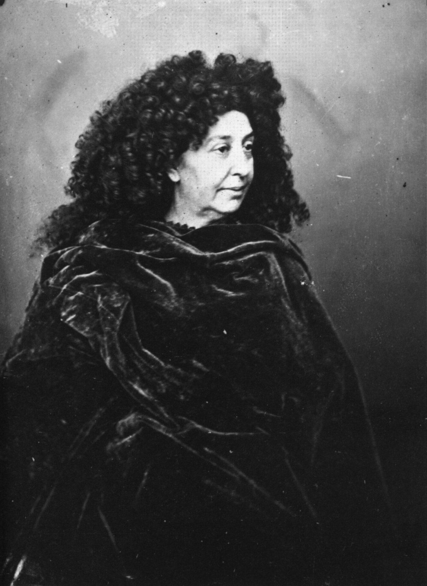 Félix_Nadar_1820-1910_portraits_George_Sand