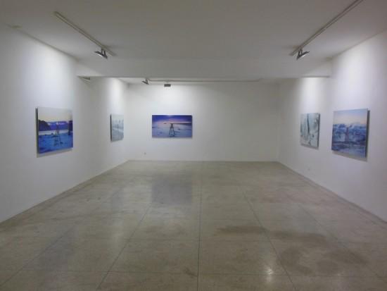"""Eric van Howe, """"Anthropocene Geodesy"""", Voice Gallery Marakesz. Fot. Przemysław Strożek"""