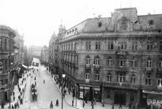 Lwów, ul. Akademicka, okres międzywojenny (od lat 50. aleja Szewczenki). Źródło: Wikimedia Commons.