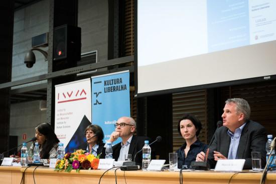 Shalini Randeria, Aleida Assmann, Dariusz Stola, Karolina Wigura, Timothy Snyder. Fot. Jędrzej Sokołowski