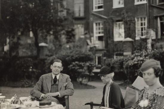 Thomas Stearns Eliot zsiostrą ikuzynką (1934). Fot.Lady Ottoline Morrell. Źródło: Wikimedia Commons