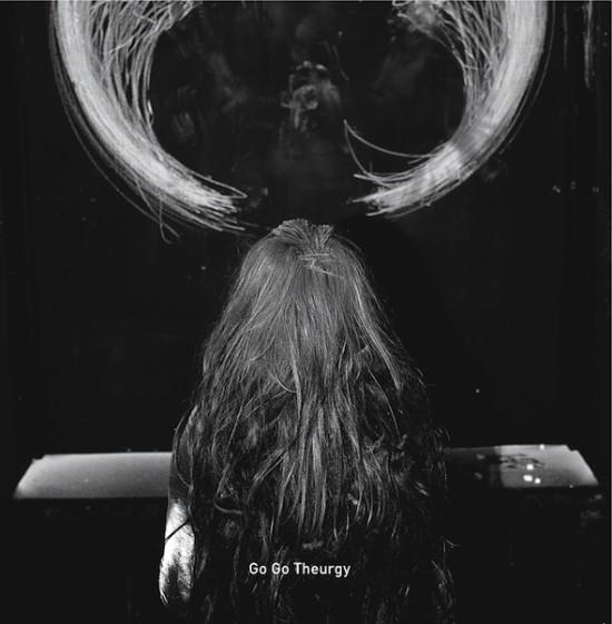 """Anna Zaradny """"Go, Go Theurgy"""", 2016, performance i okładka płyty, fot. Magda Wunsche (dzięki uprzejmości Galerii Sztuki Współczesnej Bunkier Sztuki w Krakowie)"""