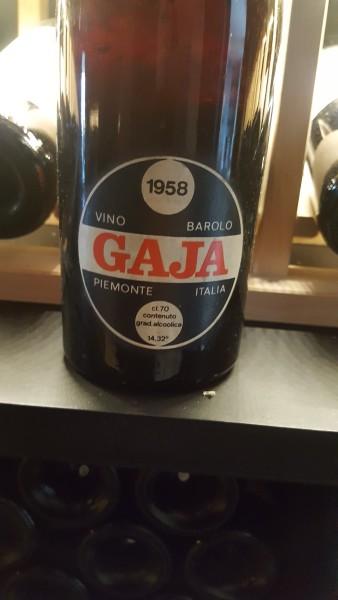 """Barolo 1958 """"Jeden z najsłynniejszych producentów w regionie. Wiele win od Gaji wytrzymuje w świetnej kondycji"""" Autor: Norbert Dudziński"""