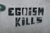"""""""Egoism Kills"""". Autor: Anneliez Egoism. Źródło: Flickr (CC BY-NC-ND 2.0)"""