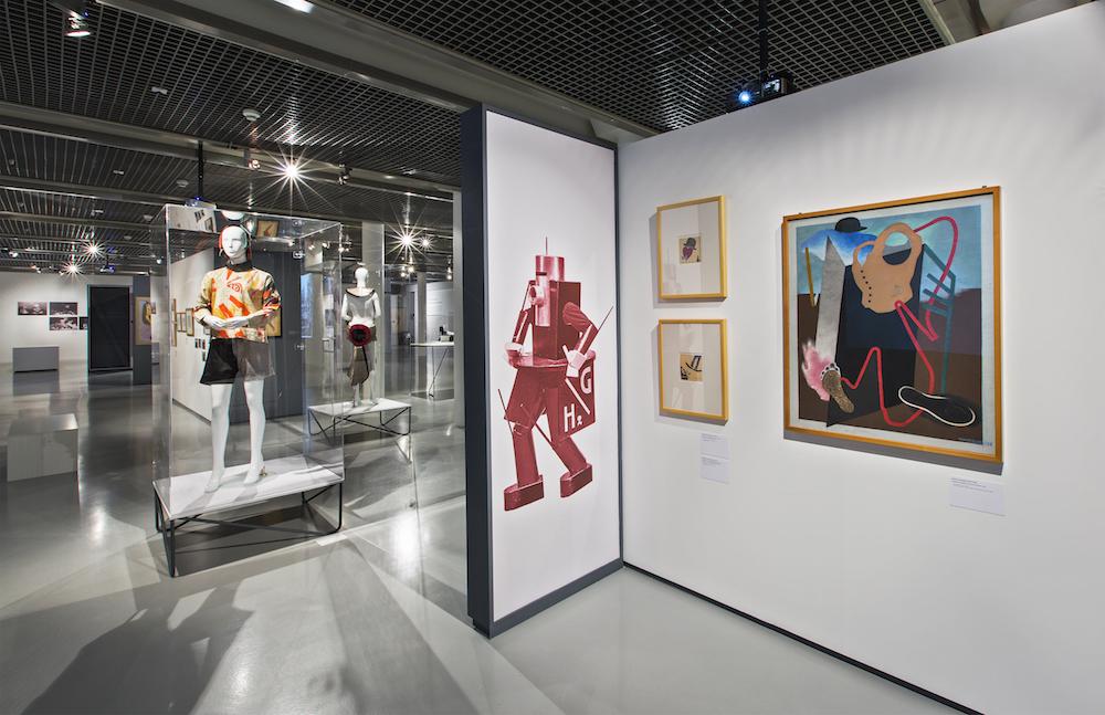Enrico Prampolini, kostium Foot-ball, 1928, Ivo Pannaggi, projekt kostiumu do Agnoscia delle macchine Ruggera Vasariego, 1926_ E. Prampolini, Portret Filippa Marinettiego, 1924
