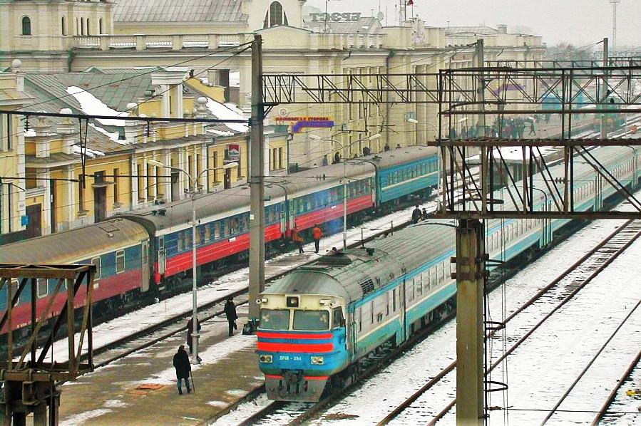 --------------------Dworzec kolejowy w Brześciu nad Bugiem. Fot. Foma. Źródło: Wikimedia Commons